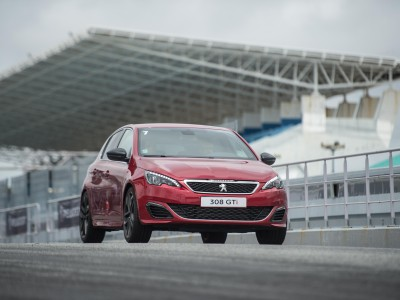 PEUGEOT DRIVING EXPERIENCE 2016